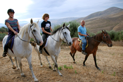 Group of 3 on a Horse Riding Holiday in Sicily - Reitferien in Sizilien